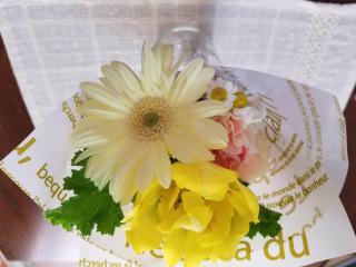 チャットの帰り道に花を買って♪画像