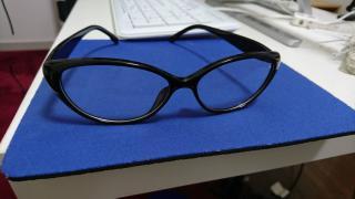 眼鏡をかけてみます☆画像
