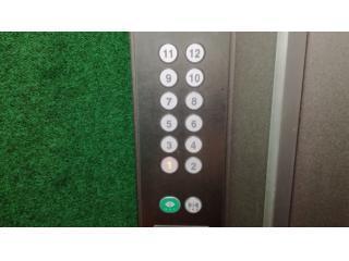 エレベーターで・・・画像