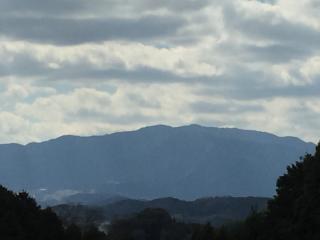 春の山画像