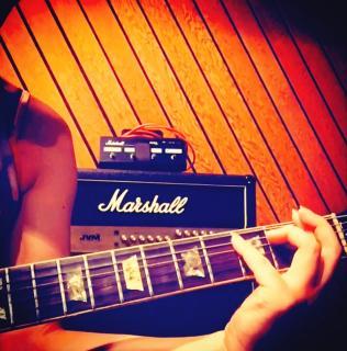 エレキギターと私。画像