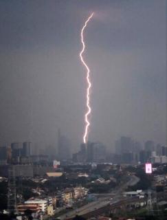 雷の国⚡画像