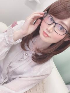 メガネのお姉さんは好きですか?