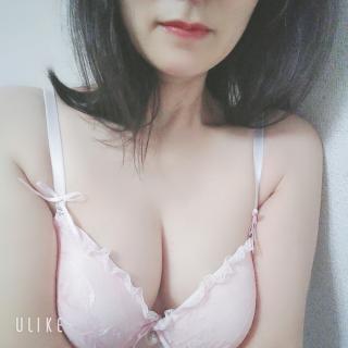 ピンクのブラ画像