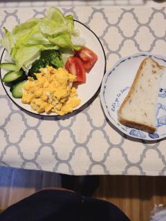 ことねの朝食☕🍞🌄