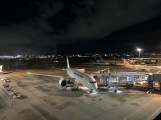 夜の空港画像