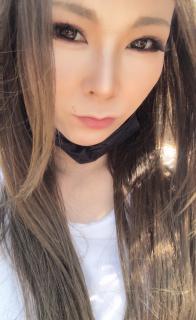 暑いですねヾ(・ω・`;)ノ